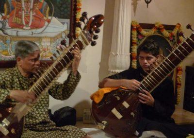 Pushpraj Koshti et son fils Bhushan Koshti