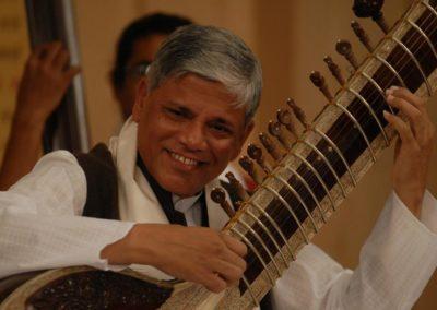 Pushpraj Koshti, maître du Surbahar
