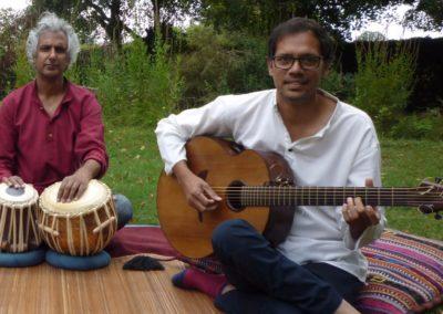 Ashish Sarwate, guitare et Deo Rajinder, tablas